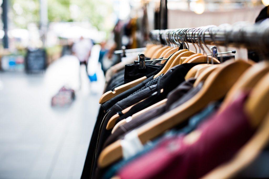 Servicios web. Modificar los productos de una tienda online.